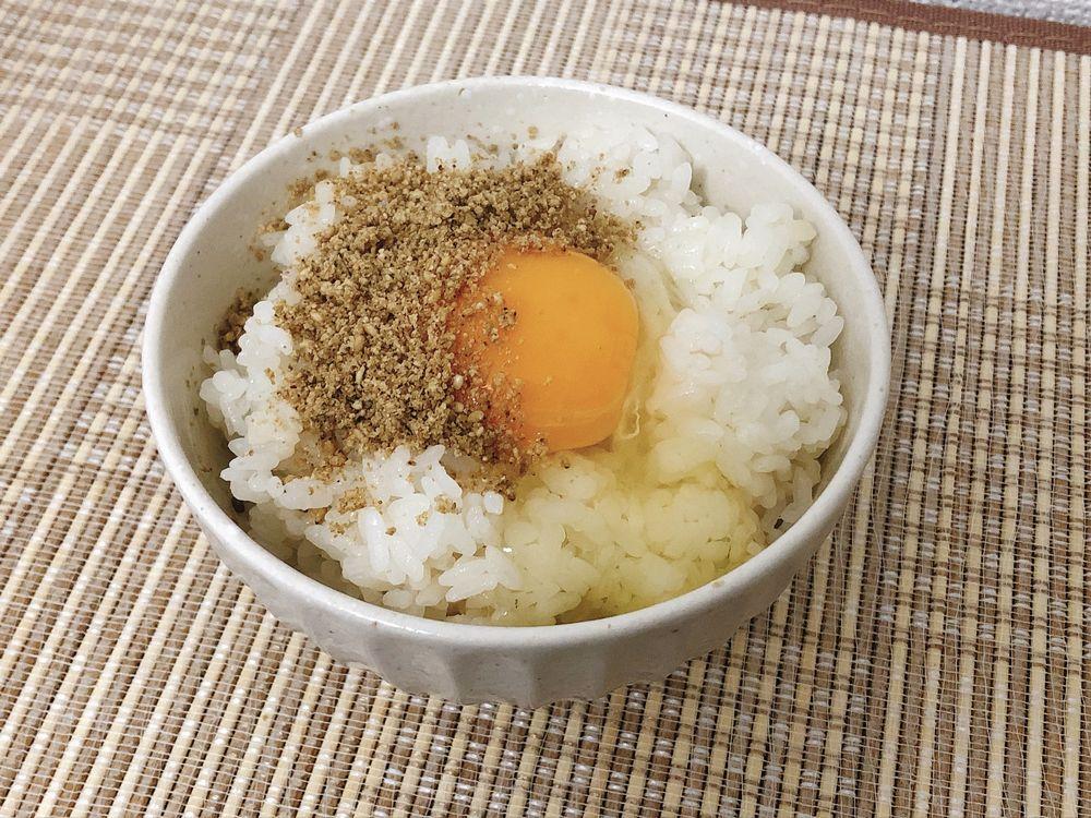 すりごまたっぷり卵かけご飯